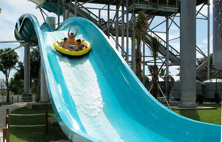 Raging Rapids | Rapids Water Park - Riviera Beach, FL